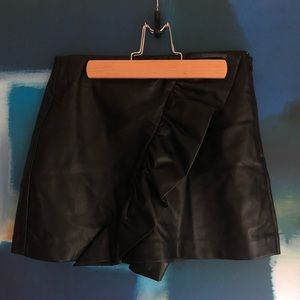 Zara faux leather ruffle shorts